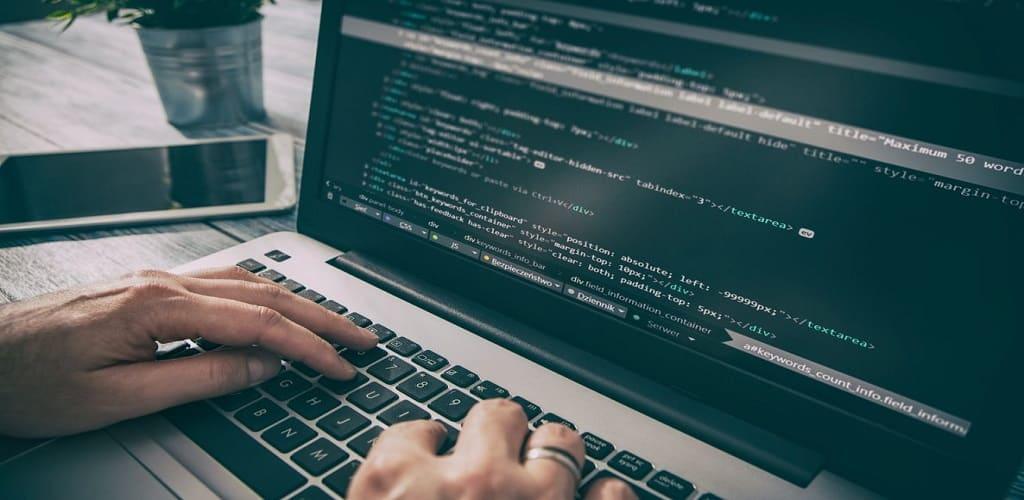 Spek laptop untuk programming