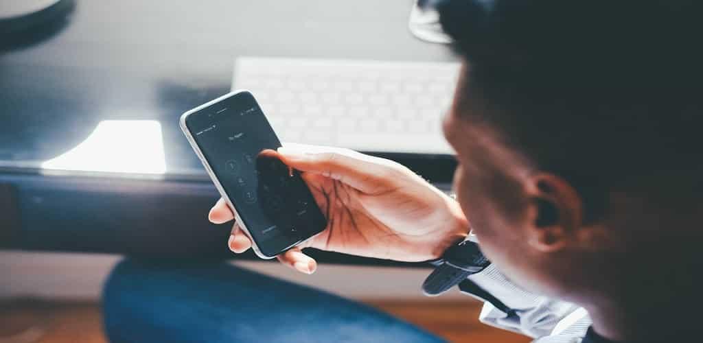 dampak negatif sosial media terhadap hubungan percintaan