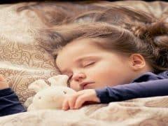 Tips membangunkan anak sahur