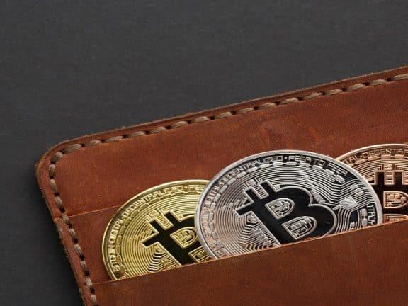 belanja dengan bitcoin