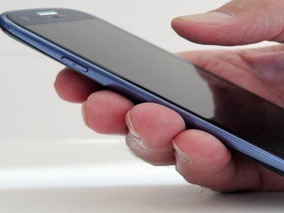cara memperbaiki handphone lemot