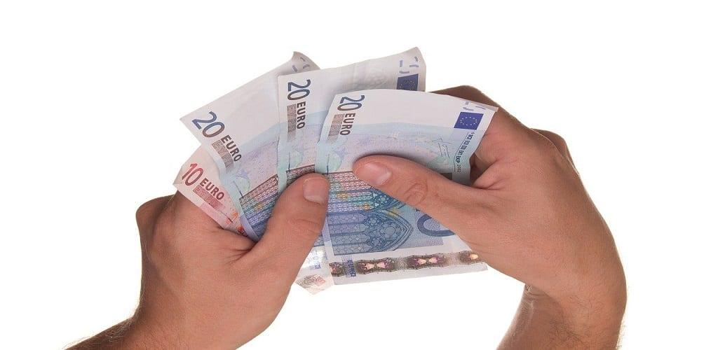 Cara Menyisihkan Uang Belanja dari Suami