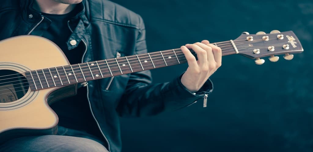 aplikasi tuner gitar terbaik